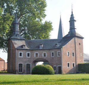 Workshop letterkappen met Jos Geusens in het kasteel van Hoepertingen.